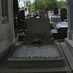 Gertrude_Stein's_gravestone