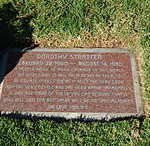 Dorothy_Stratten_grave_at_Westwood_Village_Memorial_Park_Cemetery_in_Brentwood,_California