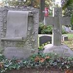 Herman_Melville_Headstone_1024