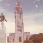 Huey_Long_looking_at_state_Capitol