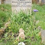sylviaplathGrave_of_Sylvia_Plath_-_geograph_org_uk_-_412470