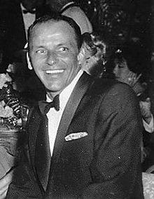 Frank_Sinatra_laughing