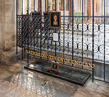 catherinePeterborough_Cathedral_Catherine_of_Aaragon_Grave,_Cambridgeshire,_UK_-_Diliff