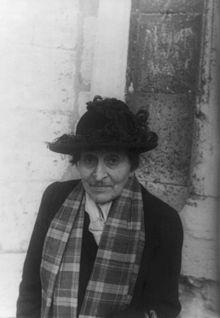 Alice_B__Toklas,_by_Carl_Van_Vechten_-_1949